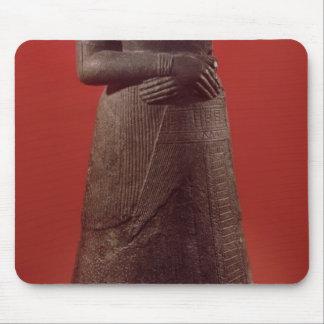 Estatua de Napirasu, esposa del rey de Elamite Alfombrillas De Ratones