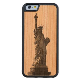 Estatua de New York City del caso de madera de la Funda De iPhone 6 Bumper Cerezo