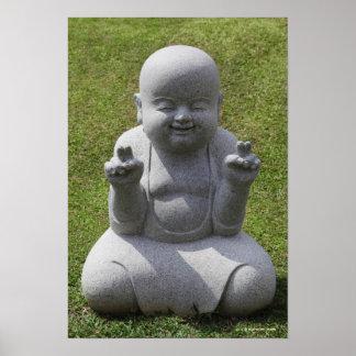 Estatua de piedra de Buda feliz Póster