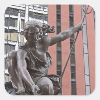 Estatua de Portlandia, Portland, Oregon Pegatina Cuadrada