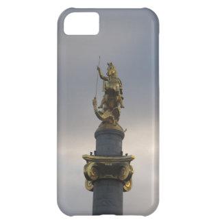 Estatua de San Jorge en el cuadrado de la libertad
