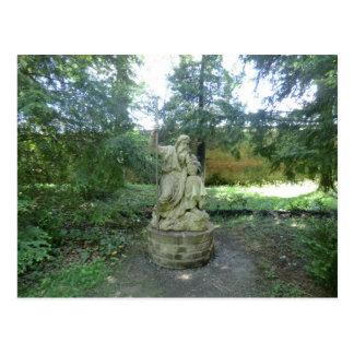 Estatua de un druida Galés en Erddig Pasillo Postales