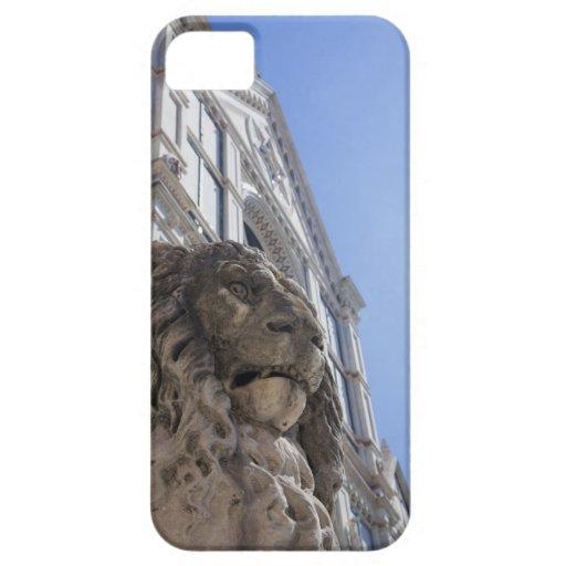estatua de un león con la fachada de Santa Croce Funda Para iPhone SE/5/5s