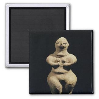 Estatua de una diosa, 6to milenio A.C. Imán Cuadrado