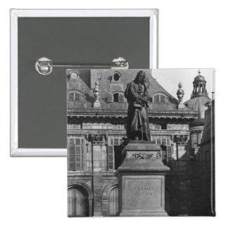 Estatua de Voltaire Pin Cuadrada 5 Cm
