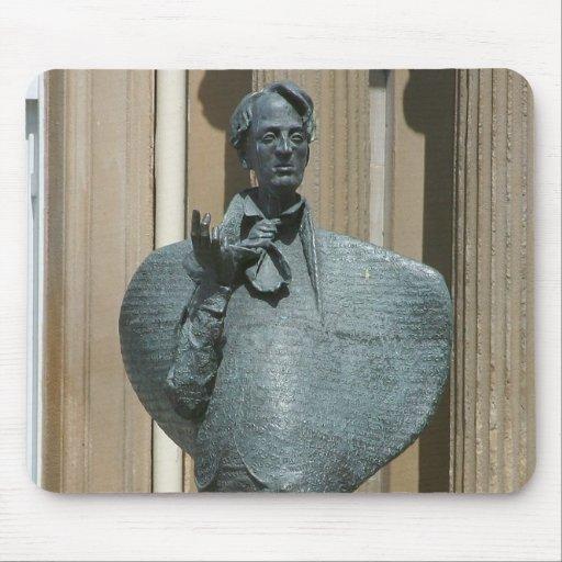 Estatua de Yeats en Sligo Tapete De Ratón