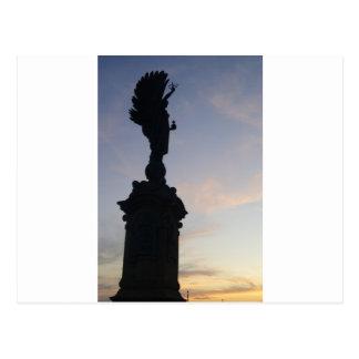 Estatua del ángel LEVANTADA Tarjeta Postal