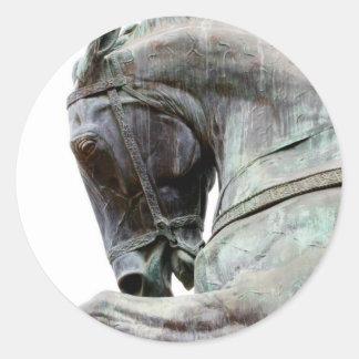 Estatua del caballo pegatina redonda