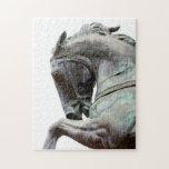 Estatua del caballo rompecabeza con fotos
