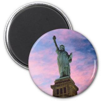 Estatua del cielo del pastel de la libertad iman para frigorífico