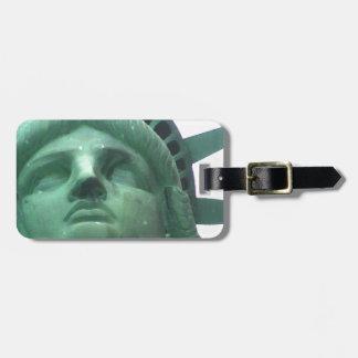 Estatua del cierre de la libertad para arriba etiquetas bolsa