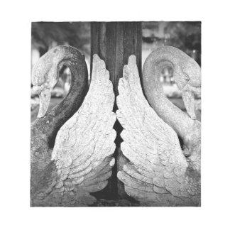 Estatua del cisne libreta para notas