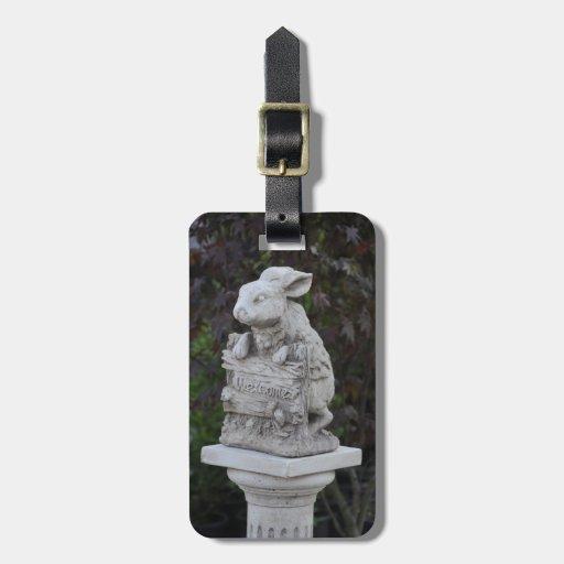 Estatua del conejito etiqueta para maleta