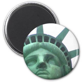 Estatua del efecto del aceite de la libertad imán redondo 5 cm