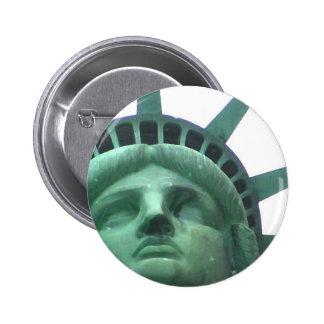 Estatua del efecto del aceite de la libertad pin redondo de 2 pulgadas