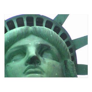 Estatua del efecto del aceite de la libertad tarjeta postal