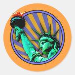 Estatua del emblema de la libertad pegatina redonda