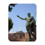 Estatua del emperador romano cerca del foro romano imanes rectangulares