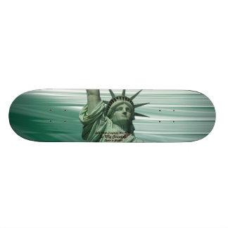 Estatua del griterío de la libertad monopatines personalizados