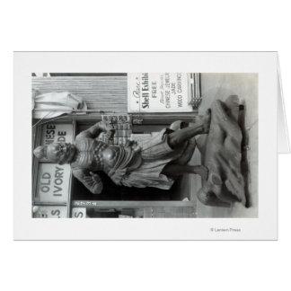 Estatua del guardia del templo en la tienda pacífi tarjeta de felicitación