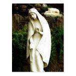 Estatua del jardín del Virgen María