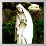 Estatua del jardín del Virgen María Poster