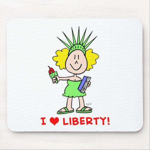 Estatua del libbie de la libertad del amor del cor alfombrillas de ratones