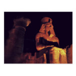 Estatua del rey en Luxor Temple en Egipto por noch Tarjetas Postales
