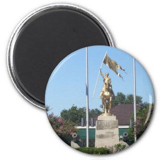 Estatua del St. Juana de Arco Imán Redondo 5 Cm