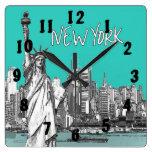 Estatua del trullo de Nueva York América de la lib Reloj