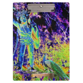 estatua e imagen colorida fresca solarized pavo re