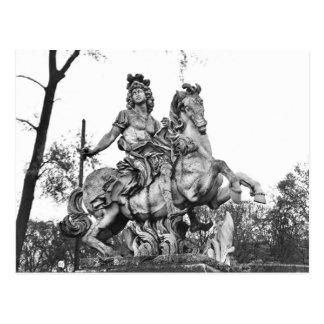 Estatua ecuestre de Louis XIV Postales
