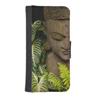 Estatua en un jardín: Chiang Mai, Tailandia Billetera Para Teléfono