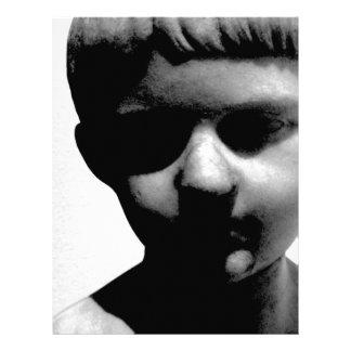 Estatua/escultura espeluznantes del muchacho joven membretes personalizados