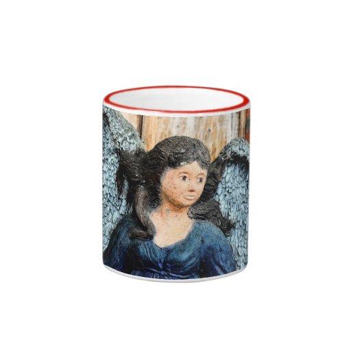 Estatua gótica del ángel tazas de café