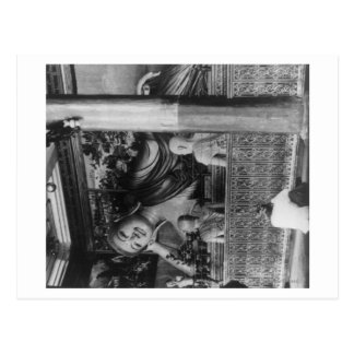 Estatua grande de Buda en la fotografía de Postales