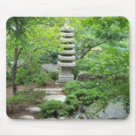 Estatua japonesa del jardín tapete de ratones