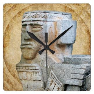 Estatua maya de Chacmool Reloj Cuadrado