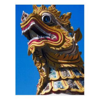 Estatua multicolora del dragón en los Di de Wat Du Tarjeta Postal
