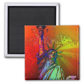 Estatua psicodélica del color del arco iris de NYC Imán Cuadrado