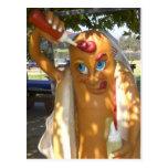 Estatua retra del perrito caliente del kitsch