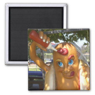 Estatua retra del perrito caliente del kitsch iman para frigorífico