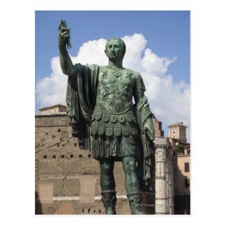Estatua romana del emperador postal