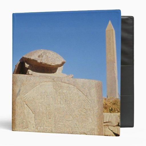 Estatua sagrada del escarabajo en el templo de Amu
