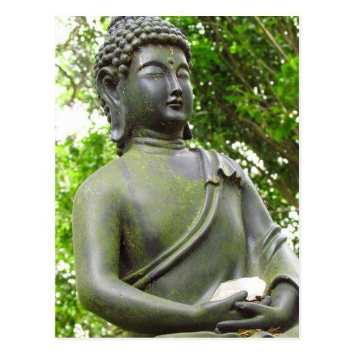 Estatua serena hermosa de Buda Postales