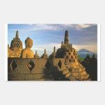 Estatua y Stupas, templo de Buda de Borobudur Etiqueta