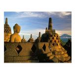 Estatua y Stupas, templo de Buda de Borobudur Tarjeta Postal
