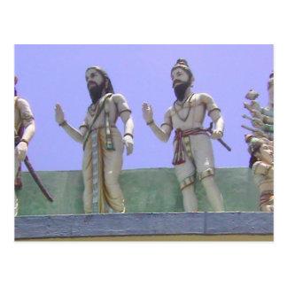 Estatuas de devotos postal