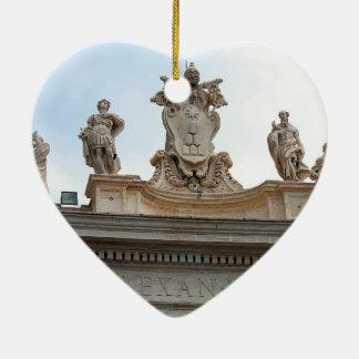 Estatuas en el cuadrado de San Pedro en la Ciudad  Ornamentos De Reyes Magos