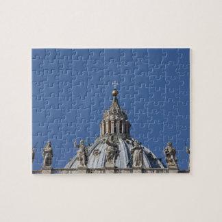 estatuas en la fachada de la basílica de San Pedro Puzzles Con Fotos